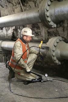 Hydraulik-Flanschspreizersystem im Einsatz